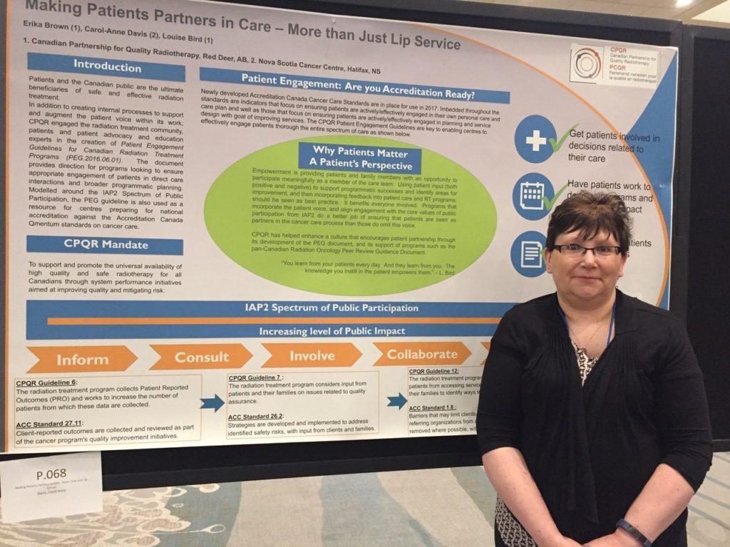 •Louise Bird en présentation lors de la conférence Approches novatrices à l'égard de l'optimisation des soins en oncologie au Canada du PCCC en avril 2017.